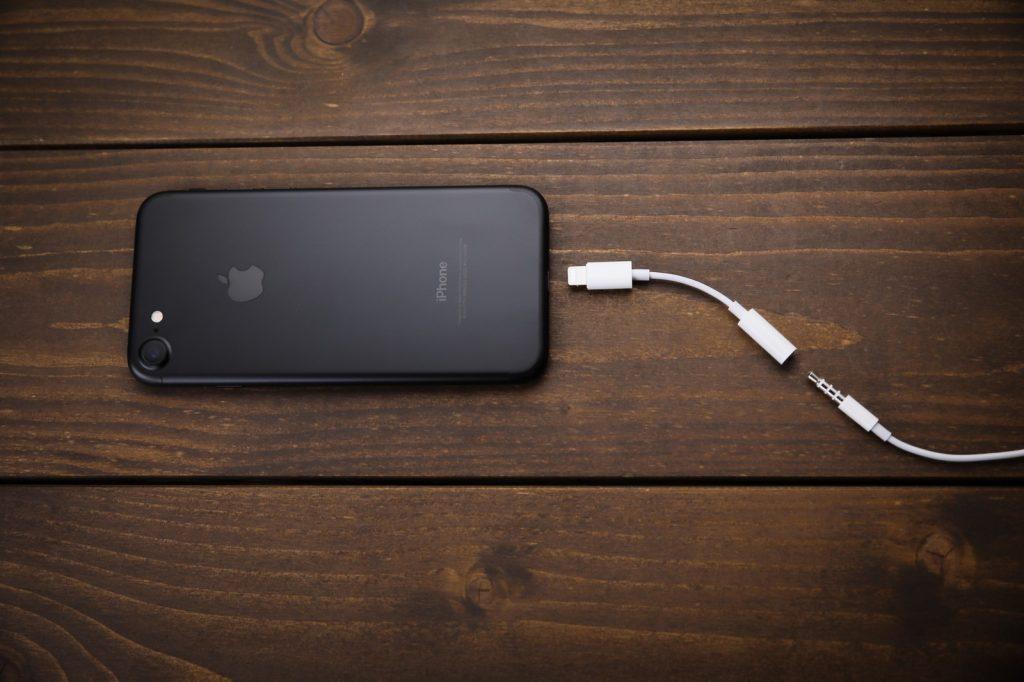 iPhone7イヤホン変換